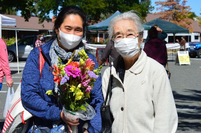 customers with flowers